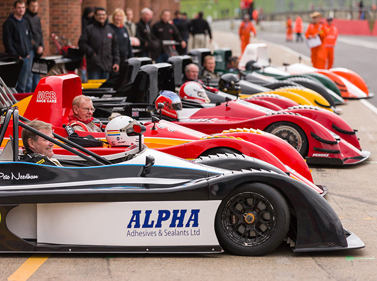 MCR Racing car teams and race cars